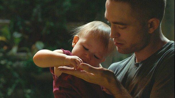 Трейлер «Высшего общества»: Роберт Паттинсон воспитывает ребенка в космосе