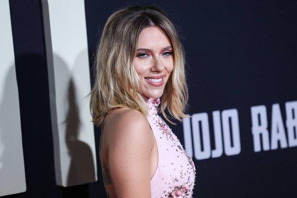 Скарлетт Йоханссон, Тайка Вайтити и другие звезды представили «Кролика Джоджо» в Лос-Анджелесе