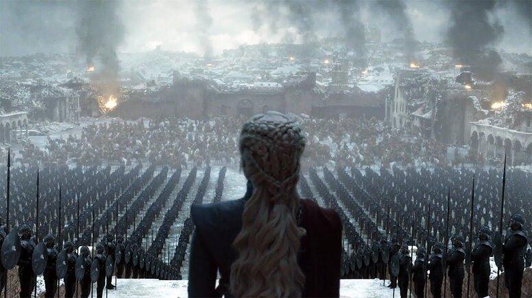 «Это был ад»: Эмилия Кларк призналась, что с трудом выучила финальную речь в «Игре престолов»