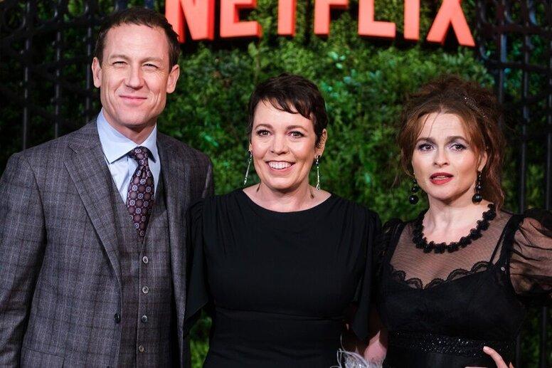 Фото: Оливия Колман, Хелена Бонем Картер и другие звезды на премьере 3 сезона «Короны»
