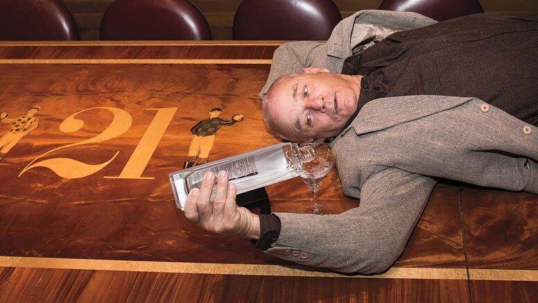 Билл Мюррей поделился взглядами на алкоголь (спойлер: он любит выпить)