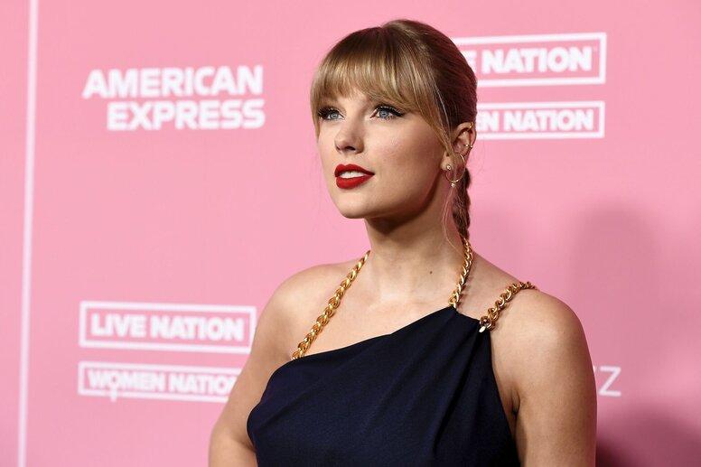 Netflix  показал трейлер документального фильма о жизни Тейлор Свифт «Мисс Американа»