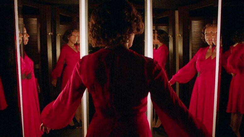 Завсё надо платить: Первый трейлер хоррора «Маленькое красное платье»