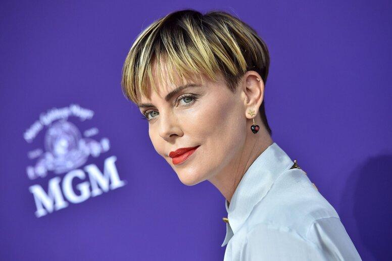 Шарлиз Терон осудила «Золотой глобус» за отсутствие номинированных женщин-режиссеров