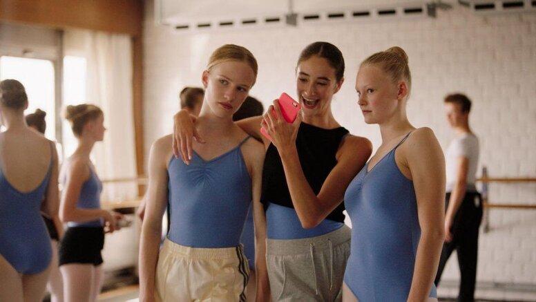В Петербурге пройдёт показ и обсуждение фильма «Девочка»