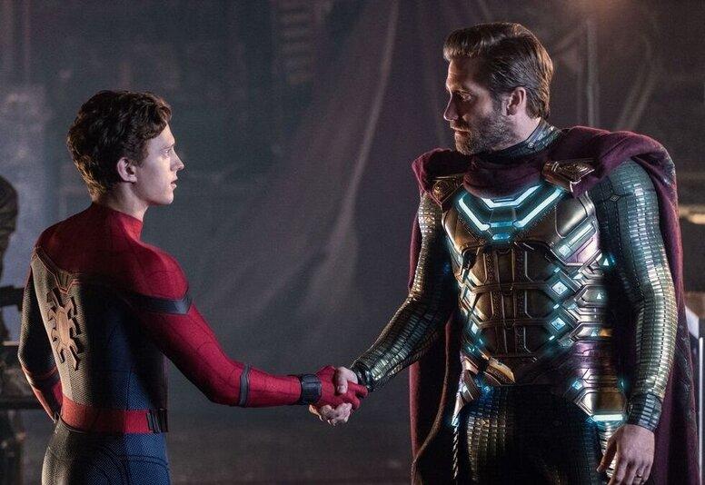 Еще смешнее: Джейк Джилленхол показал неудачные дубли со съемок «Человека-паука: Вдали от дома»