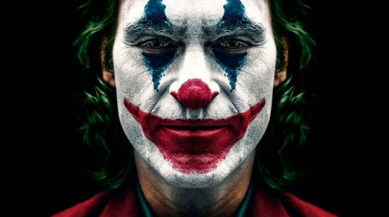 Тодд Филлипс показал эмоциональные фото Хоакина Феникса с последнего дня съемок «Джокера»