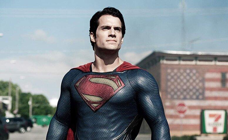 «Плащ по-прежнему в шкафу»: Генри Кавилл все еще считает роль Супермена своей