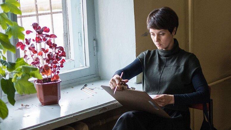 Уроки политического: «Простой карандаш» Натальи Назаровой