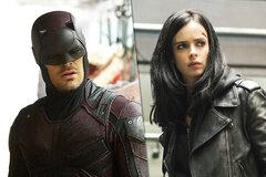 Чарли Кокс и Кристен Риттер могут вернуться к ролям Сорвиголовы и Джессики Джонс в киновселенной Marvel