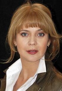 Неля Попова