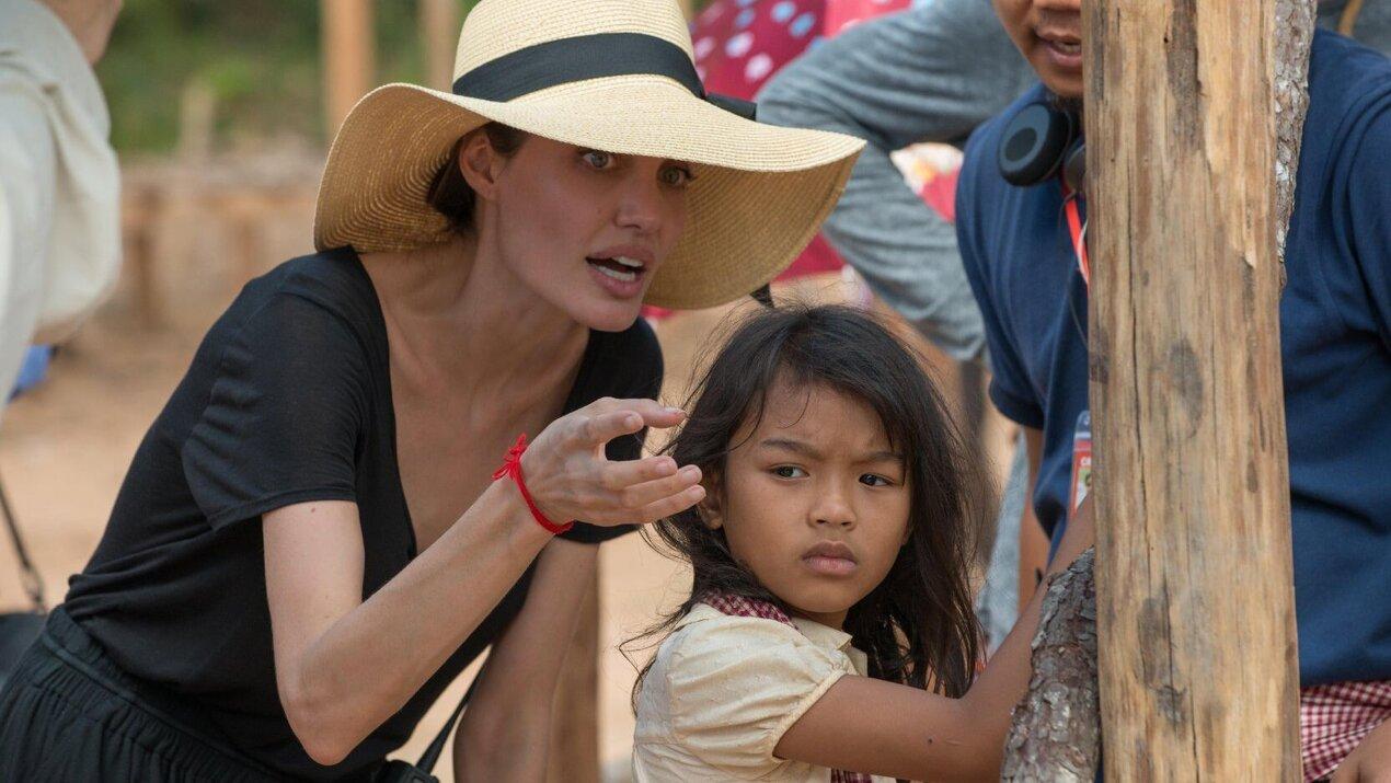 Сначала они убили моего отца: Воспоминания дочери Камбоджи - teaser trailer